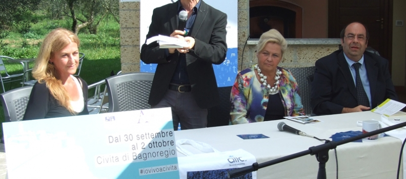 """Premio di poesia """"Caro Poeta"""" consegnato proprio dove dimorò l'illustre Commendatore e letterato Annibal Caro."""